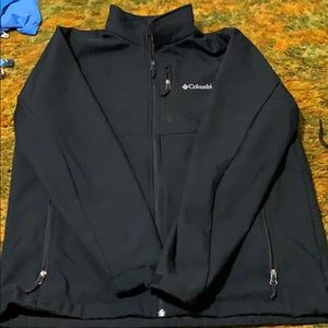 Men's soft shell Columbia jacket